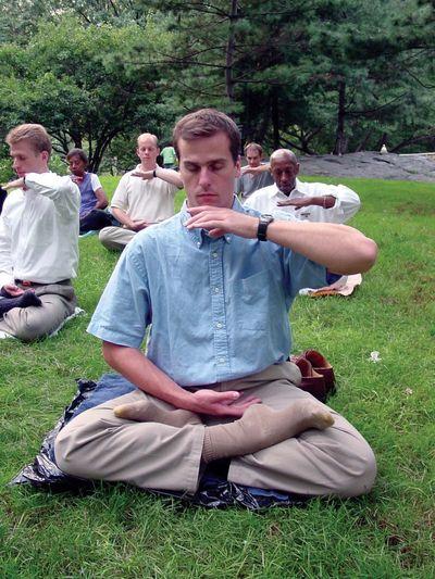 китайский цигун, Фалуньгун, Фалунь Дафа, упражнения Фалуньгун