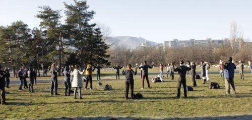 Фалуньгун в Софии, Фалунь Дафа, упражнения Фалуньгун, Болгария