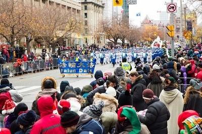 Духовой оркестр последователей Фалуньгун поразил канадцев